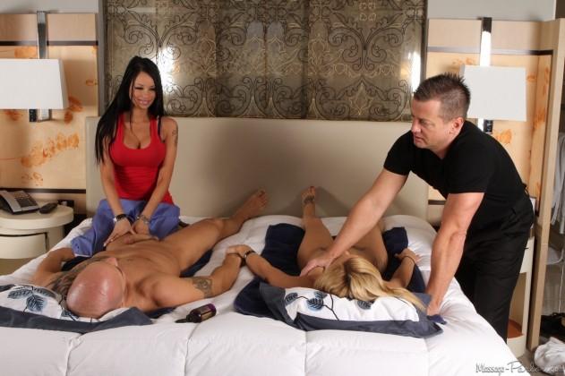 32932 067 631x420 Nikki Seven, Raven Bay   Massage Parlor