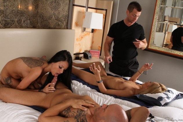32932 115 631x420 Nikki Seven, Raven Bay   Massage Parlor